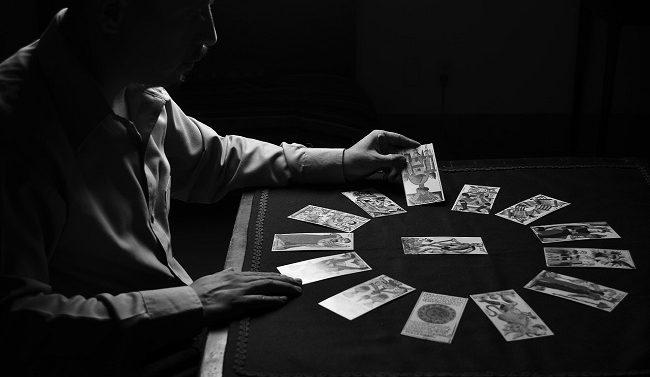 Los tarotistas sin gabinete y la importancia del tarot para poder enfocar correctamente tu futuro