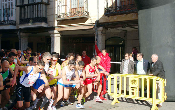La III Media Maratón y la XXXV Carrera Popular se dan cita en Alcalá el domingo 17 de marzo